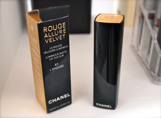 Rouge allure velvet exquise Chanel