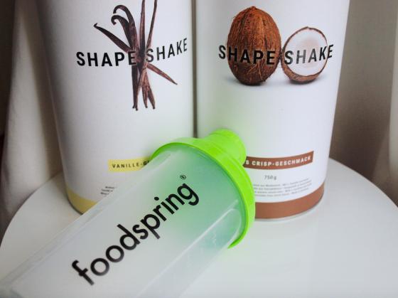 j ai test les shape shakes foodspring lola loves beauty. Black Bedroom Furniture Sets. Home Design Ideas